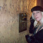 devi snively retro phone